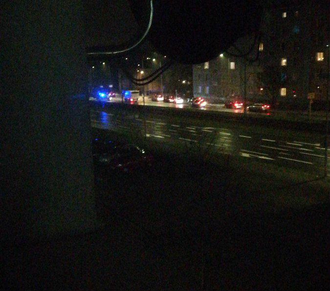 Zderzenie pojazdów na wiadukcie w ciągu ul. Hetmańskiej, droga zablokowana