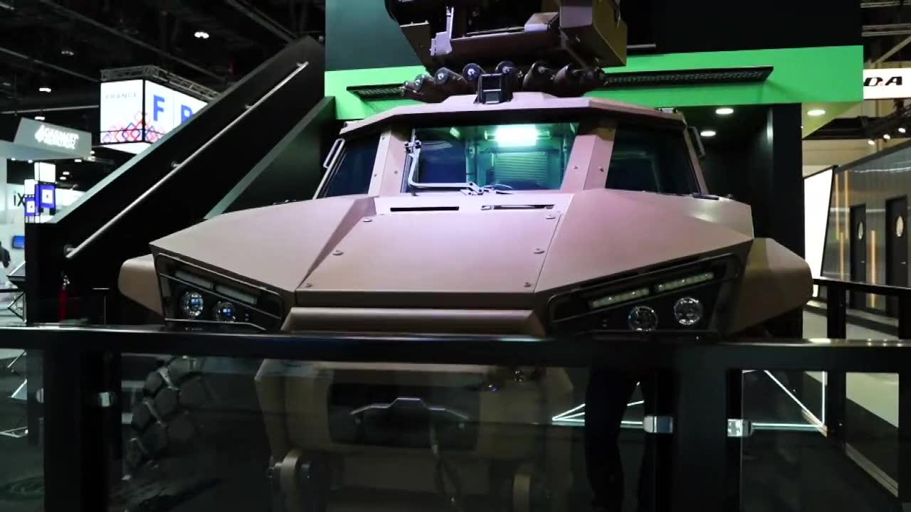 Humvee na sterydach. Na targach broni w Abu Zabi zaprezentowano wielozadaniowe pojazdy opancerzone