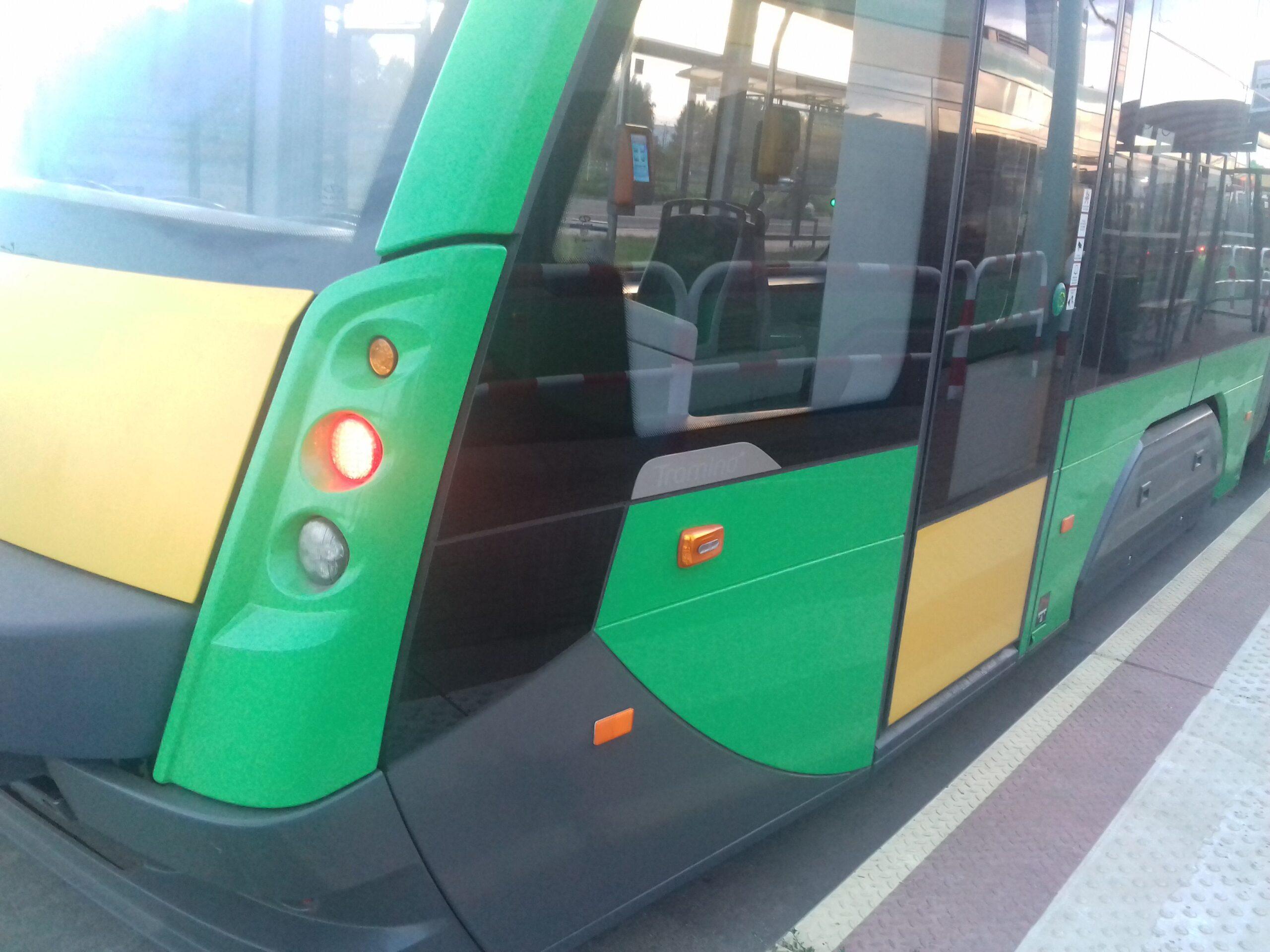 Zderzenie samochodu z tramwajem na ul. Matyi (Aktualizacja)