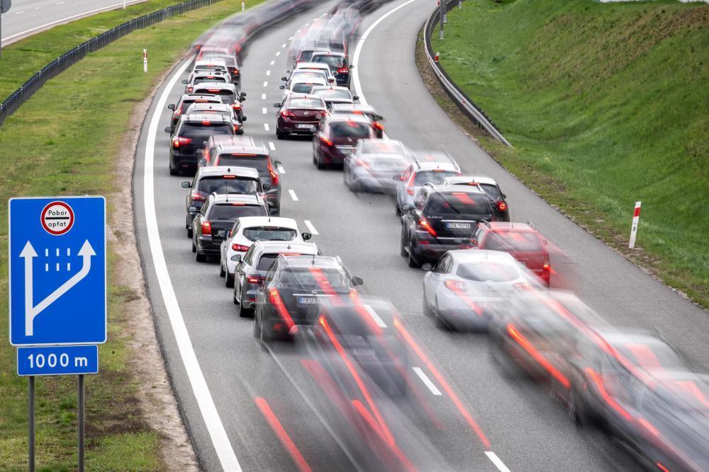 Wchodzą w życie nowe przepisy ws. poboru opłat drogowych