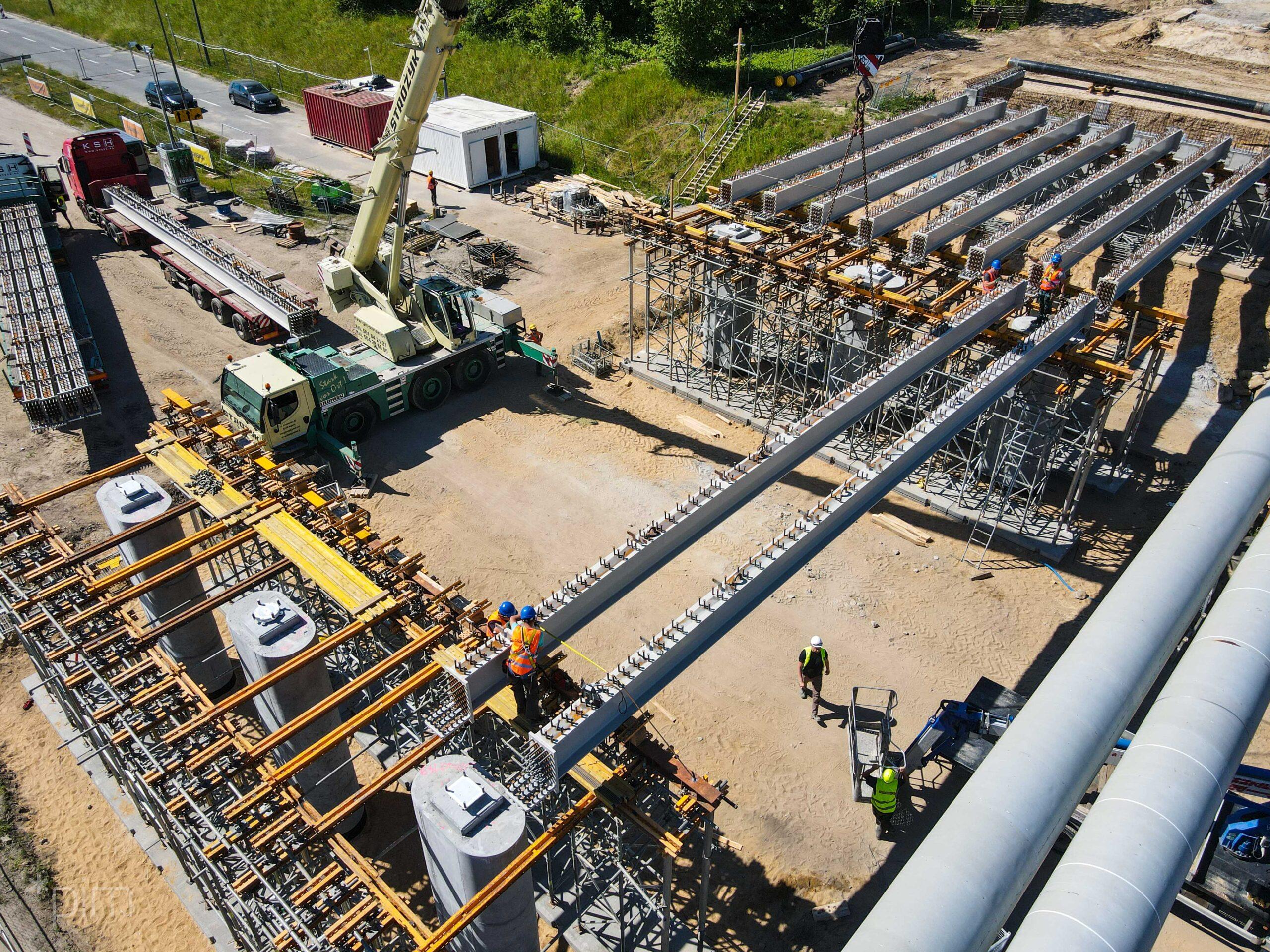Nowy wiadukt na ul. Kurlandzkiej – coraz bardziej zaawansowane prace