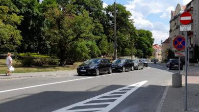 Kierowcy ignorują znaki i jeżdżą pod prąd na ul. Niedziałkowskiego