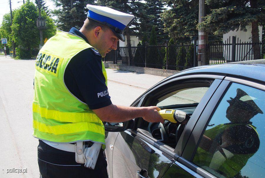 Pijany i z zakazem prowadzenia pojazdów doprowadził do kolizji na terenie Kotowa w Poznaniu