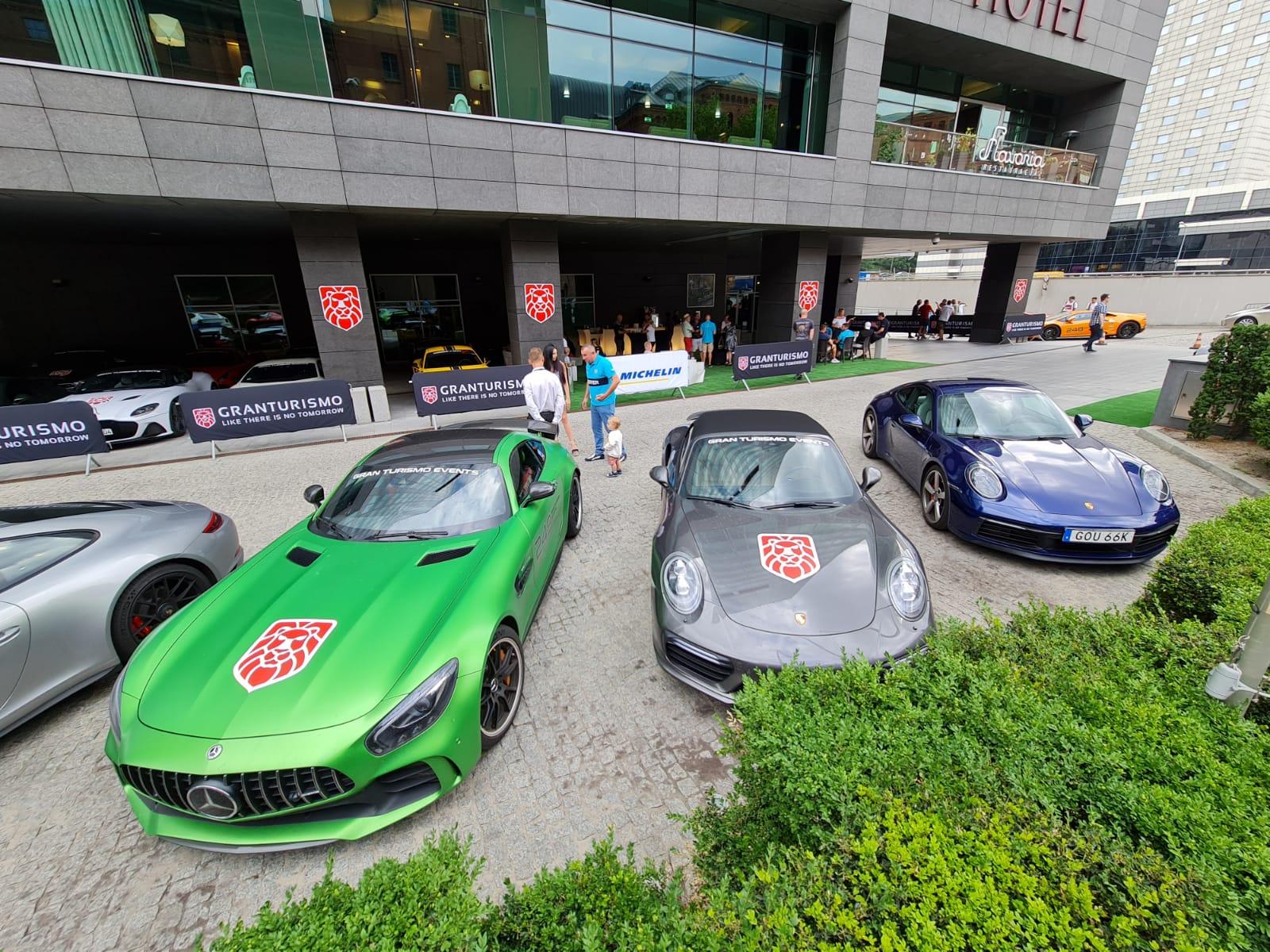 Wystartowała 17. edycja Gran Turismo Polonia. Piękne samochody przyjechały do Poznania
