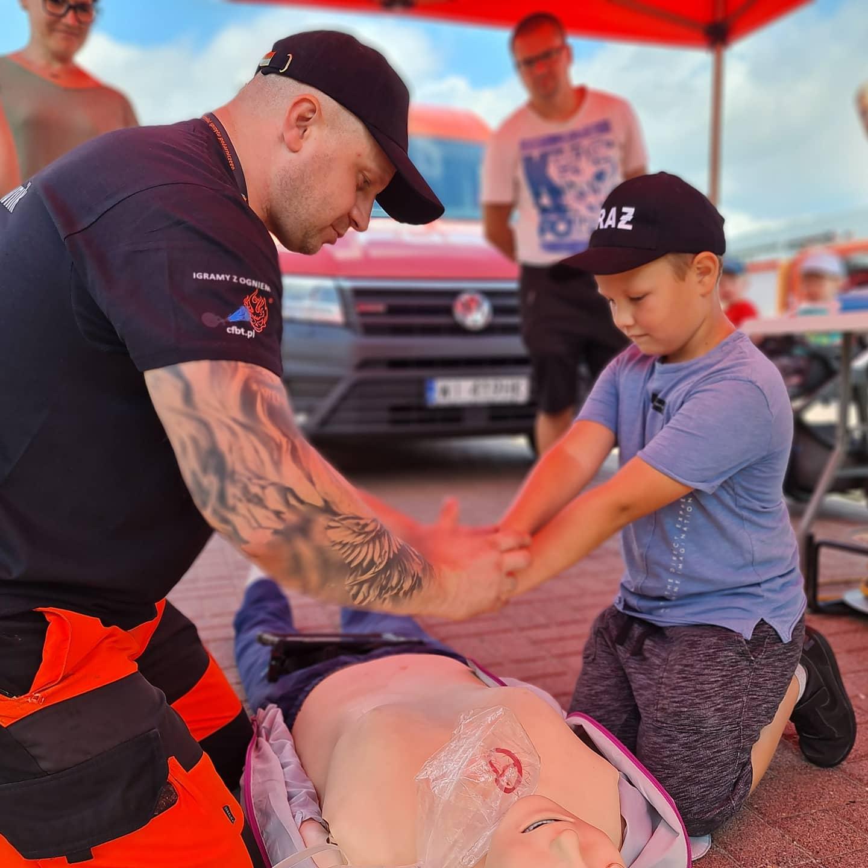 Tłumy poznaniaków odwiedziły IV Ogólnopolski Zlot Czerwonych Samochodów