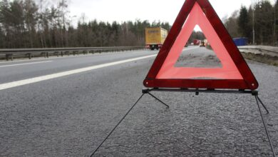 Zderzenie ciężarówki z samochodem osobowym na poznańskim odcinku A2 – utrudnienia w ruchu!